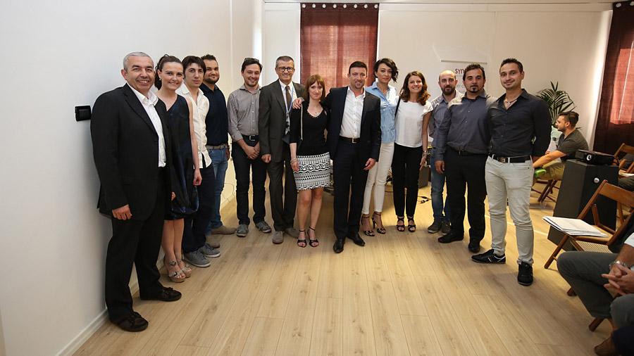 Fast Group - Foto di Gruppo inaugurazione sede Alessandria - Fast Group progetta, sviluppa ed implementa soluzioni ICT ad alto valore aggiunto, per far crescere la tua Azienda e il tuo business